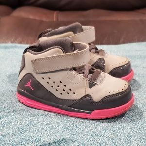 Jordan flight sz 7c